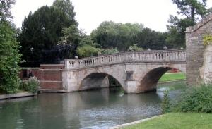England 2012 Cambridge arch bridge (2)