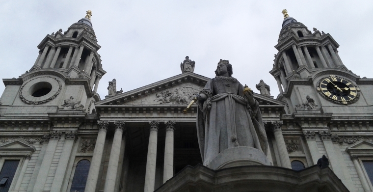 20160904_st-pauls-queen-anne-looking-up