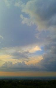 2016-09-19-frascati-sunset-vert-clouds