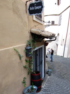2016-frascati-hilly-lane-in-town