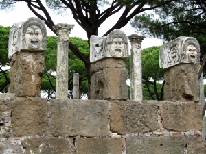 2016-ostia-antica-three-masks-best