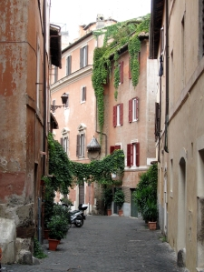 2016-rome-trastevere-pretty-lane
