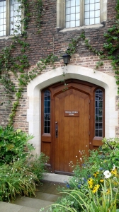 20160905-cambridge-college-door